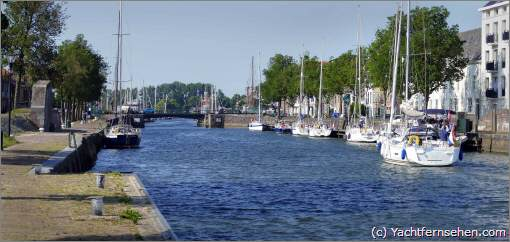 Hellevoetsluis, historical harbour, The Netherlands - (c) by Yachtfernsehen.com
