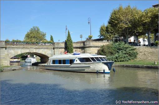 Charterboot/Hausboot von Le Boat auf dem Canal du Midi - powered by Yachtfernsehen.com