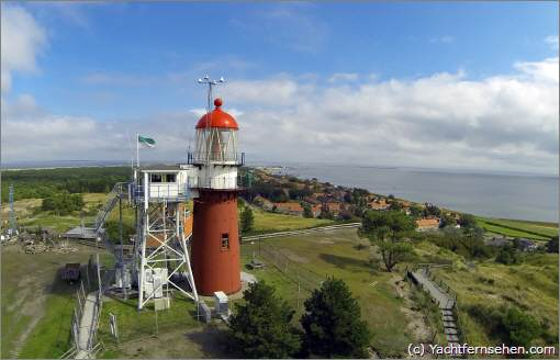 Airview: Leuchtturm / lighthouse Vlieland on netherlands island Vlieland - by Yachtfernsehen.com.